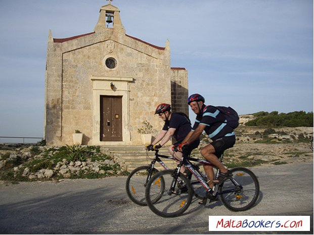 maltabookers.com Cycling Tours - Fort Bingemma, Malta